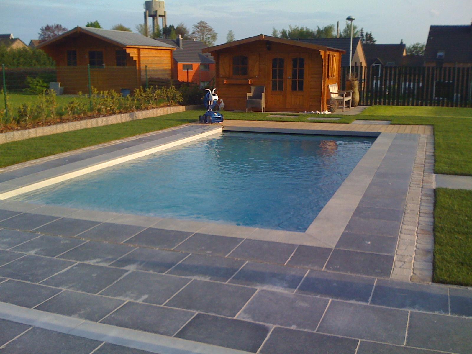 Construction de piscines ext rieures for Construction piscine 64