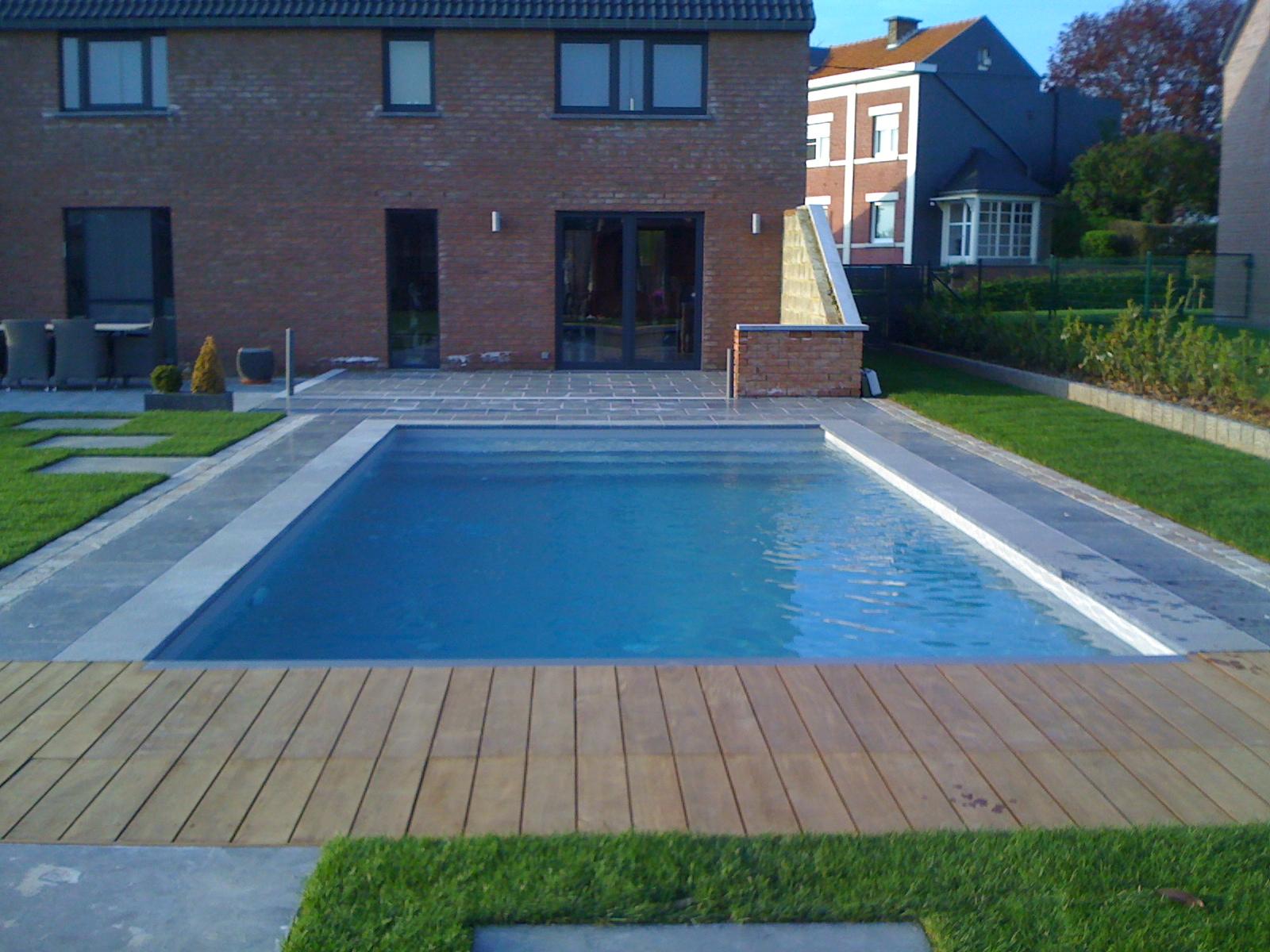 Construction de piscines ext rieures for Construction piscine 65