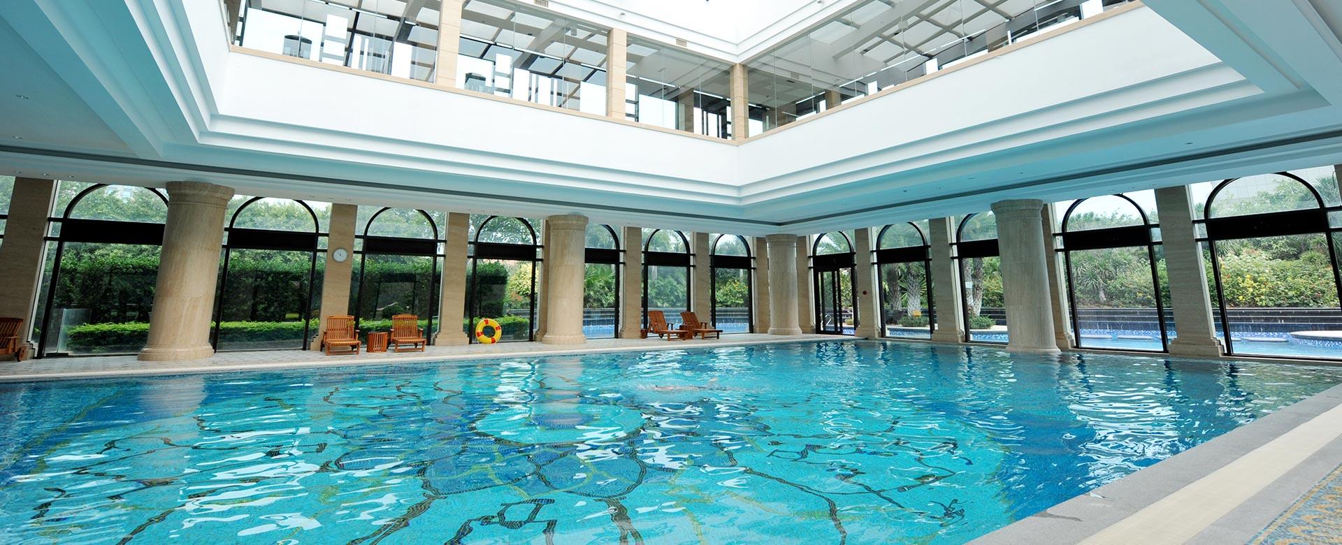 Tahiti piscines construction de piscines sur mesure en for Construction piscine publique